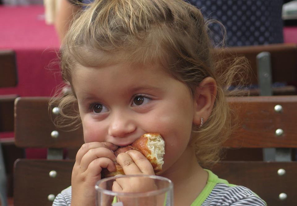 Alimentar-se na escola: mais uma oportunidade de aprender